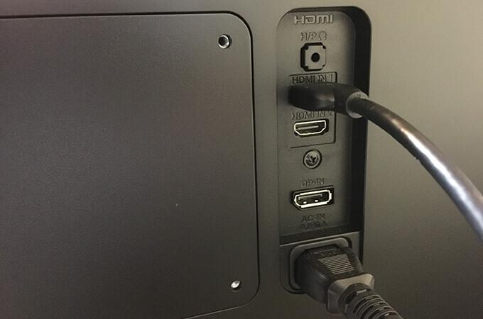 外部モニター HDMIポート